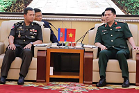 Lt. Gen. Manmart Holds Talks with...