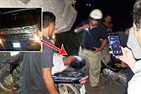 Drunk clerk drives moto to car buttocks