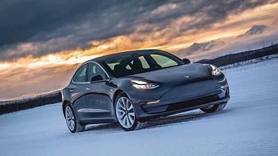 Tesla%20prepares%20to%20boost%20Fremont...