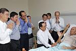Dr. Ith Sam Heng visits Mr. Bunthong...