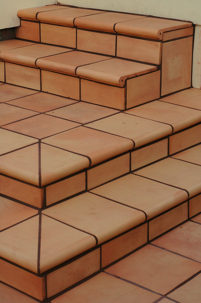 terracotta fliesen verlegen lassen g nstig vom profi. Black Bedroom Furniture Sets. Home Design Ideas