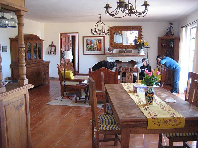 g nstig im wohnzimmer terracotta fliesen verlegen lassen. Black Bedroom Furniture Sets. Home Design Ideas