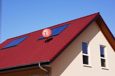 ortgangziegel verleihen dem dach den letzten schliff. Black Bedroom Furniture Sets. Home Design Ideas