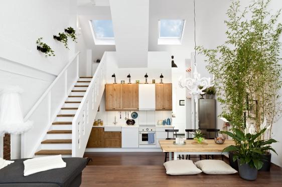 aktuell fr hzeitig dachausbau mit velux dachfenstern planen. Black Bedroom Furniture Sets. Home Design Ideas
