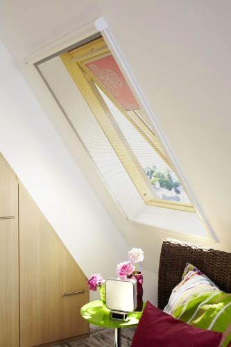 dank insektenschutz rollos m ssen m cken drau en bleiben. Black Bedroom Furniture Sets. Home Design Ideas
