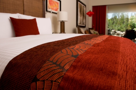 das franz sisches bett aus holz viel platz f r singles und paare. Black Bedroom Furniture Sets. Home Design Ideas