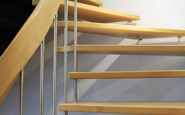 stilvolle dachbodentreppe einbauen f r ein stimmiges gesamtbild. Black Bedroom Furniture Sets. Home Design Ideas