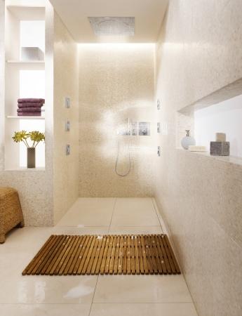 ablaufrinne f r die dusche die elegante und effektive l sung der entw sserung. Black Bedroom Furniture Sets. Home Design Ideas
