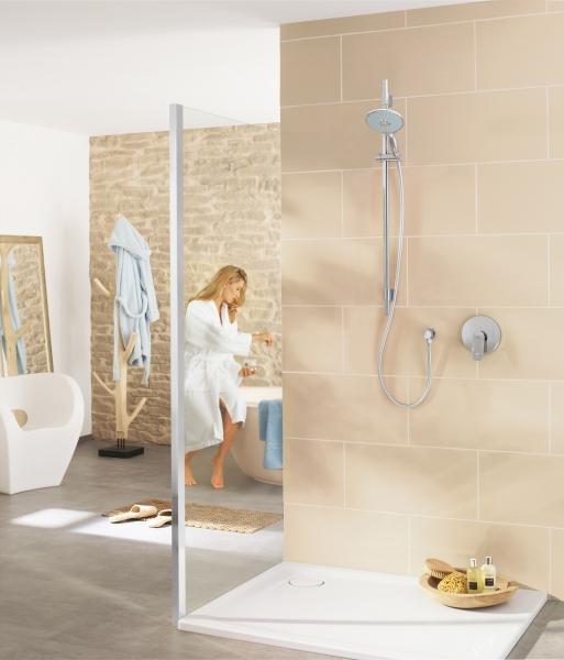 die vorz ge einer duschtrennwand aus glas. Black Bedroom Furniture Sets. Home Design Ideas