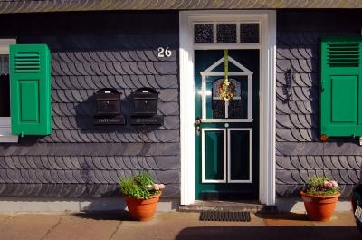 hauseingang gestalten und besucher willkommen hei en. Black Bedroom Furniture Sets. Home Design Ideas