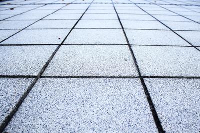 terrassenplatten verlegen g nstig kreativ vom gartenbauer. Black Bedroom Furniture Sets. Home Design Ideas