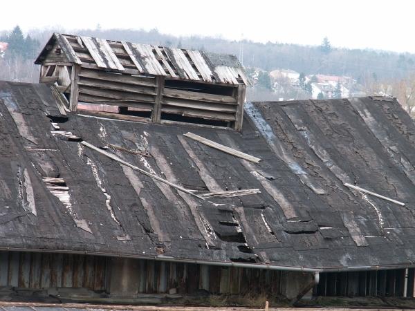Häufig Alte Dachpappe entfernen – ist das nötig? GK95