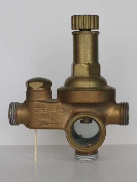 Sicherheitsgruppe für Warmwasserspeicher – Sicherung gegen Überdruck