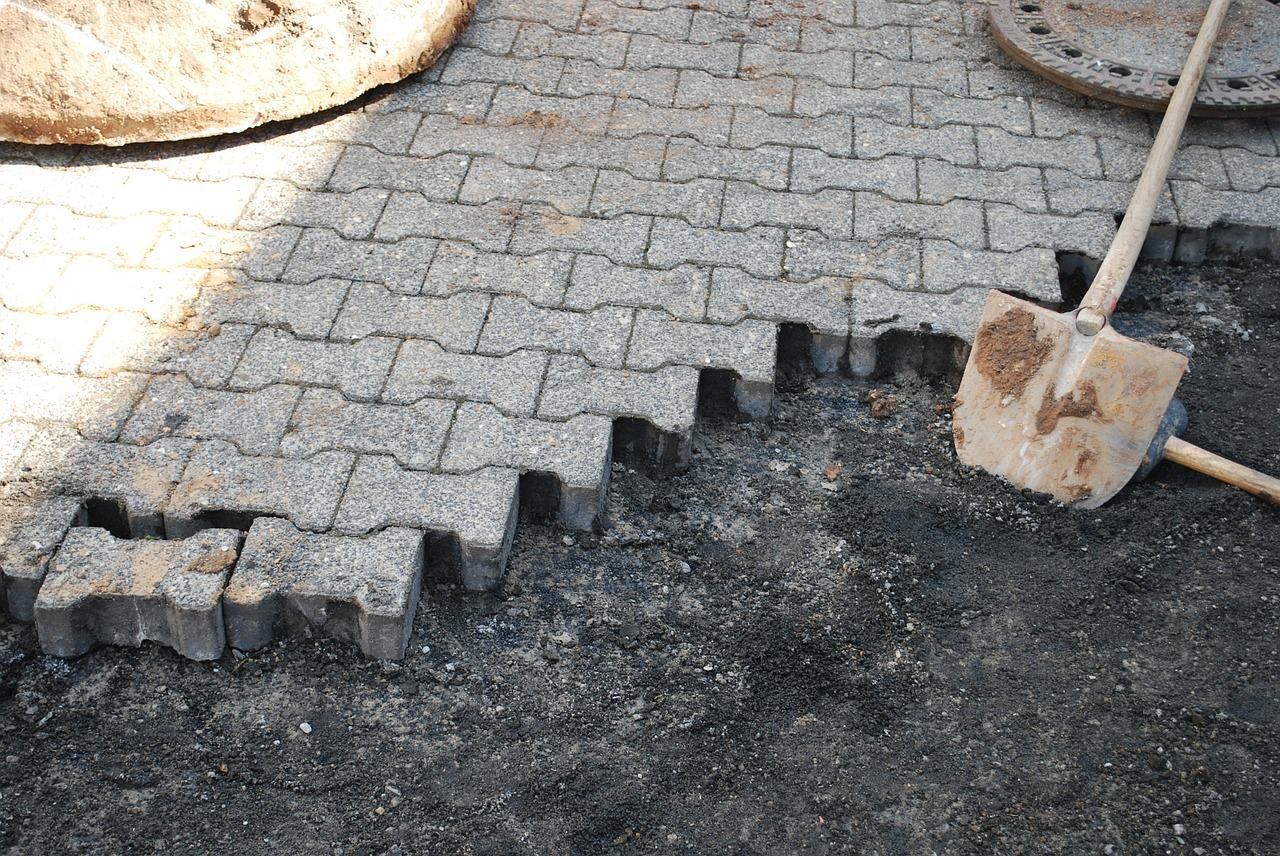 Beton Und Natursteinpflaster Fur Den Garten