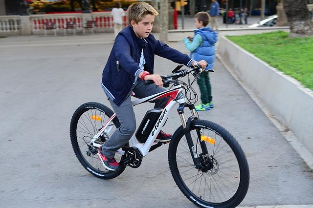 Eignen sich E-Bikes auch für Kinder?