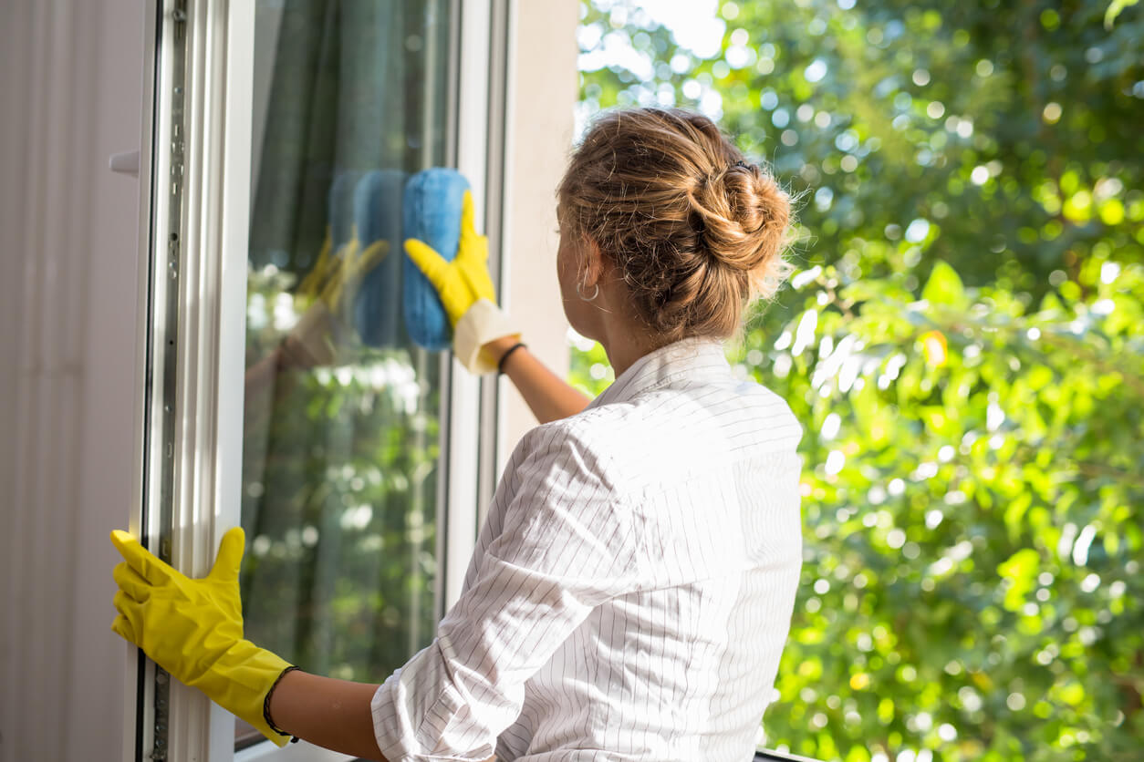 Häufig Fenster putzen ▷ Ohne Schlieren und streifenfrei SF73