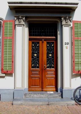 Tür mit Oberlicht: Designs & Kosten