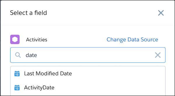 Boîte de dialogue modale Sélectionner un champ avec le mot date dans son champ de recherche