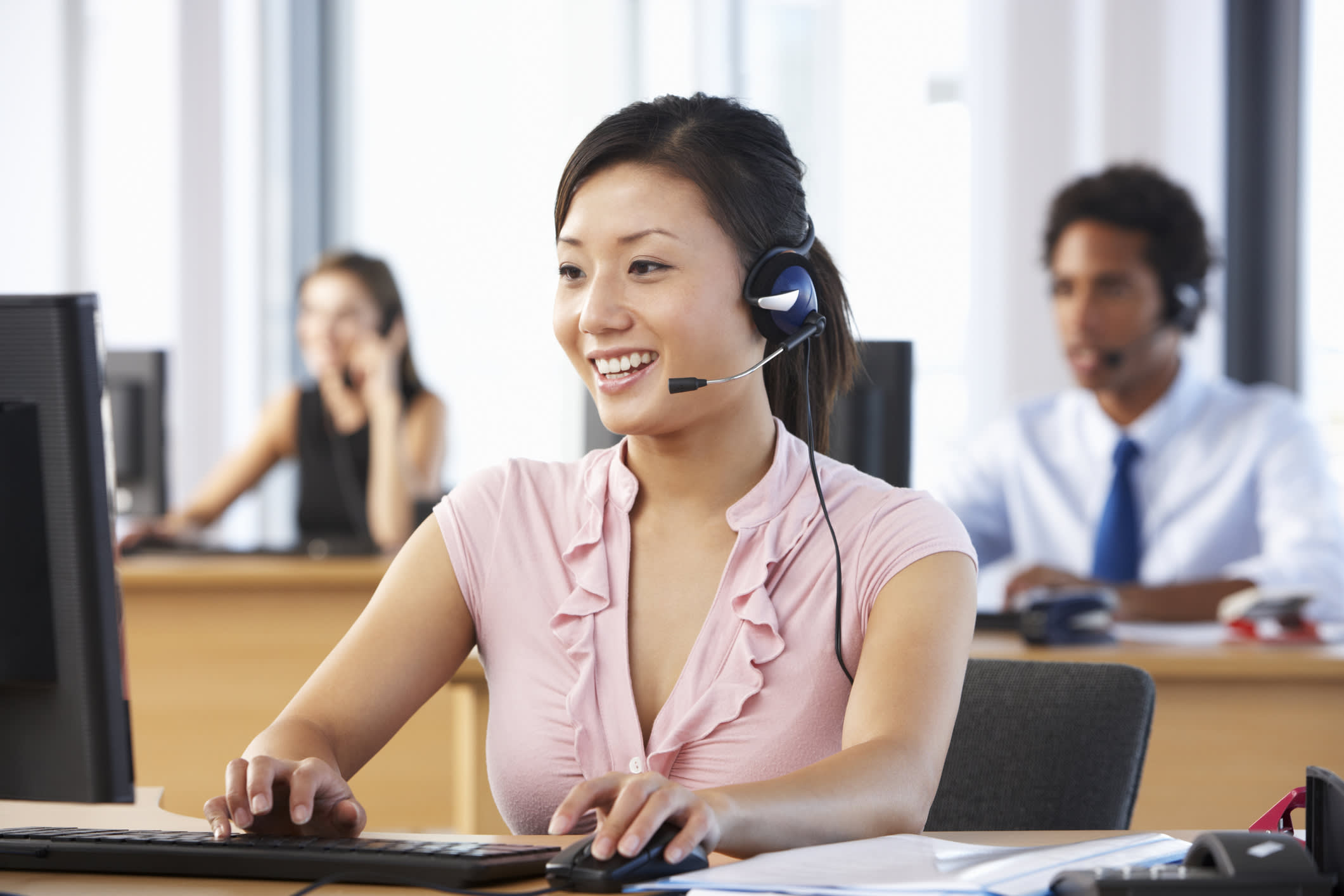 Photo of a contact center agent