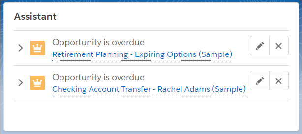 期限切れの商談「Retirement Planning - expiring options (退職プラン - 期限切れオプション)」と「Checking Account transfer for Rachel Adams (Rachel Adams の当座預金口座振替)」が表示されたホームページの [アシスタント]