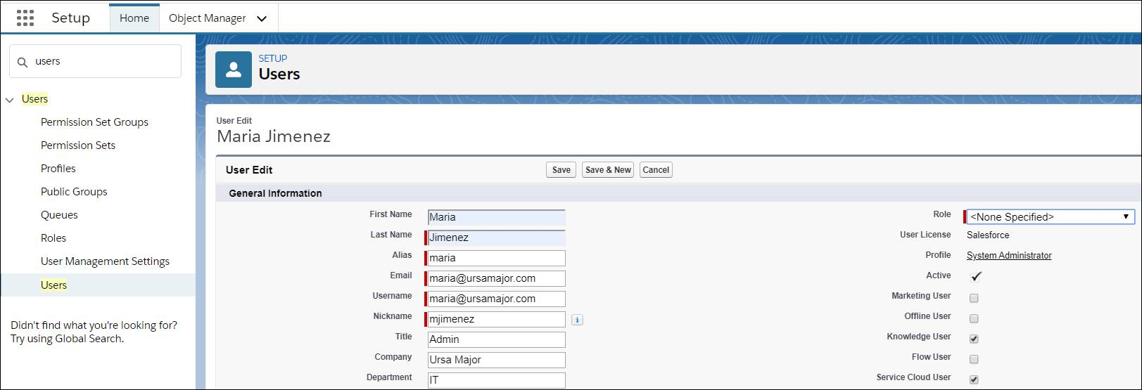 Écran de configuration indiquant les étapes que Maria a suivies pour s'attribuer une licence utilisateur Knowledge