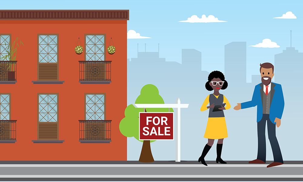 Image d'Aniyah tenant une tablette et s'adressant à un homme à l'extérieur d'un bâtiment sur lequel est apposé un panneau «à vendre».