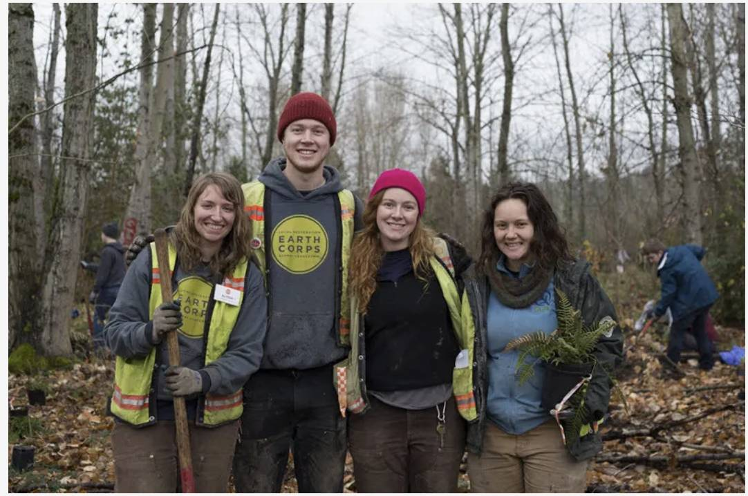 Picture of EarthCorps' volunteers in a forest.