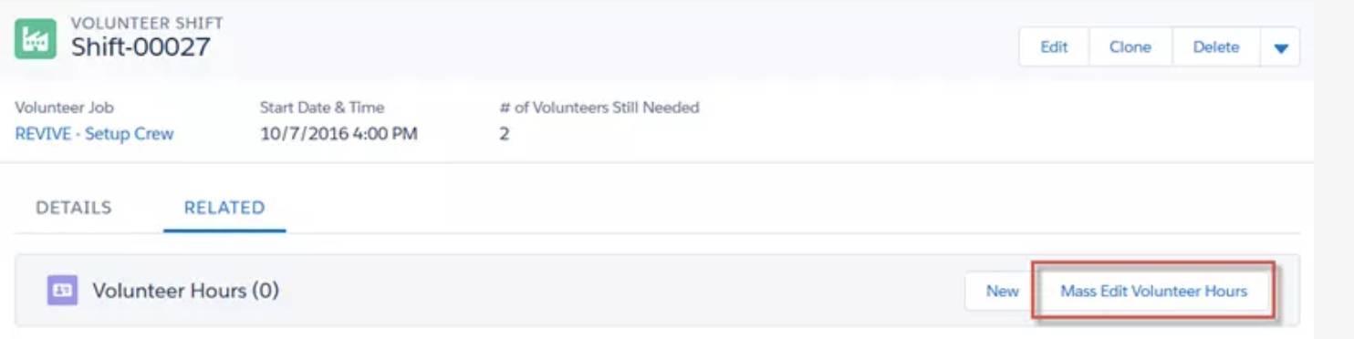 Captura de tela da página Detalhes do turno voluntário e do botão Editor em massa de horas do voluntário.