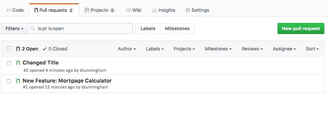 GitHub のスクリーンショット。タイトルの変更と新機能の追加の 2 つのプル要求が表示されています。