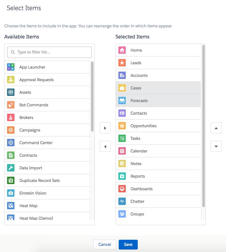 アプリケーションビルダーの [Select Items (項目を選択)] タブ。[Cases (ケース)] と [Forecasts (売上予測)] が選択されています。