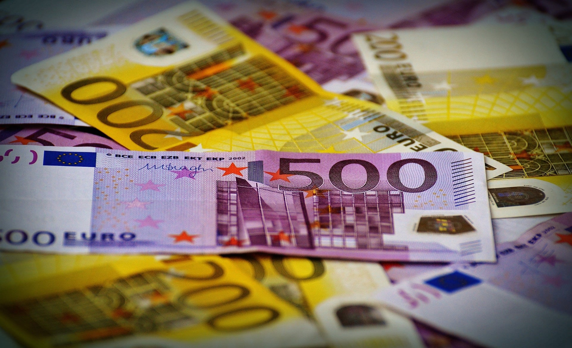 Picture of pile of Euros
