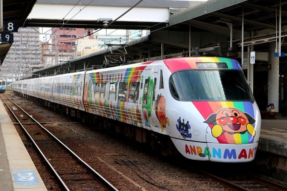 予讃線アンパンマン列車_4