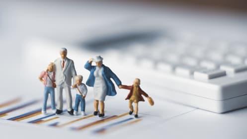なぜ資産形成が必要?「家計簿アプリ」を使いこなして人生100年時代を生き抜く