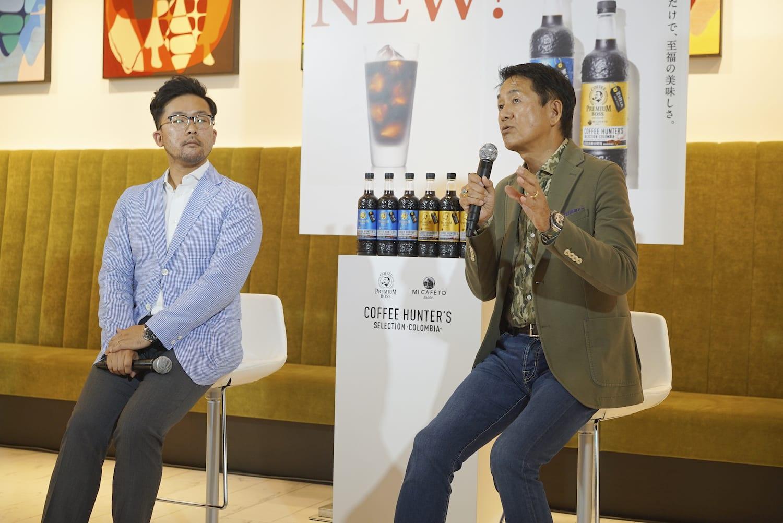 サントリー食品インターナショナルの大塚匠課長とミカフェートの川島良彰社長