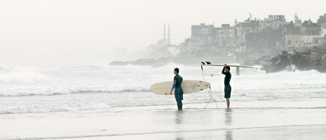 <h3>Gaza Surf Club</h3><h4>Ein Film von Philip Gnadt und Mickey Yamine</h4>