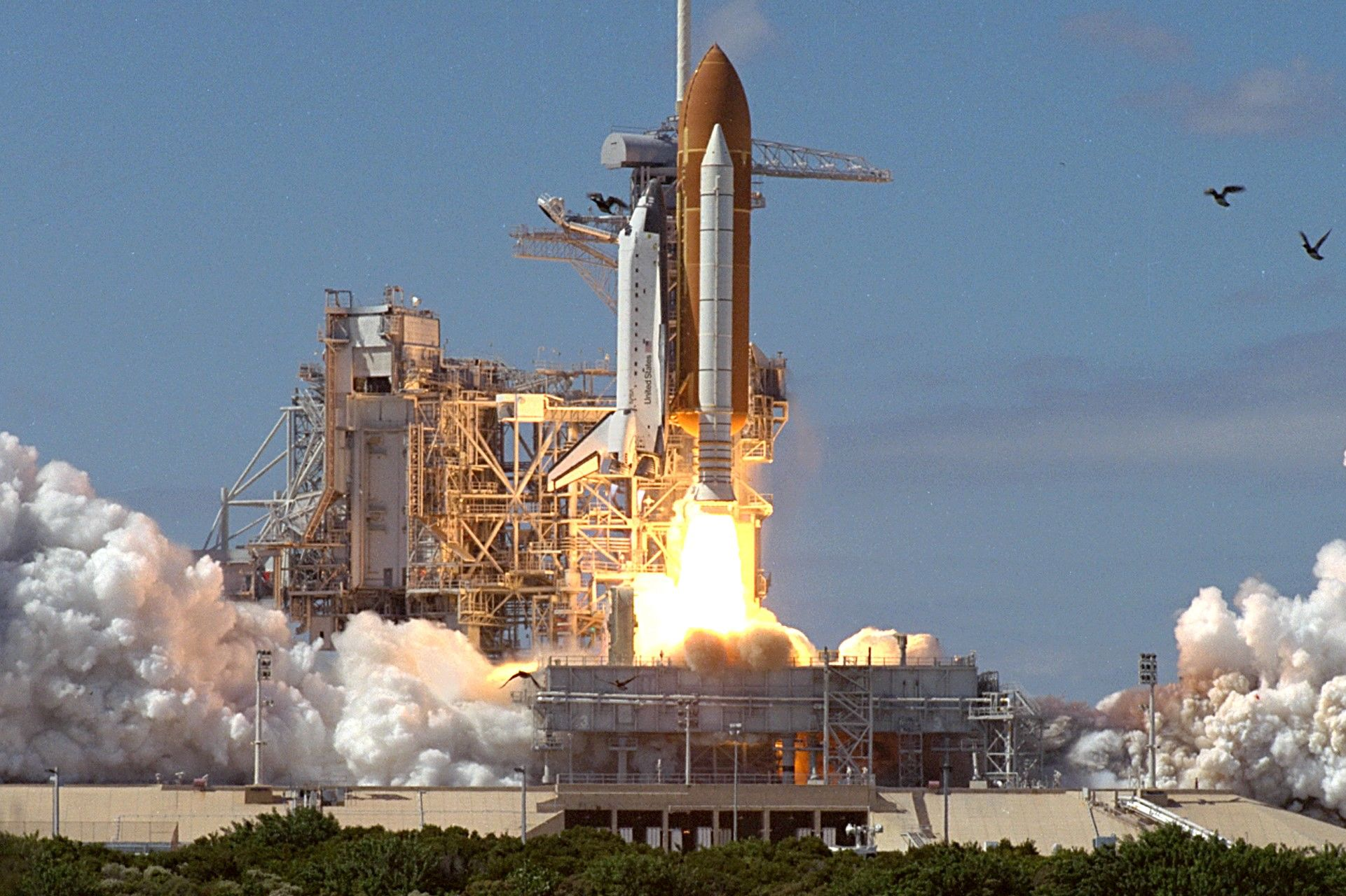 space shuttle launch - HD 1600×900