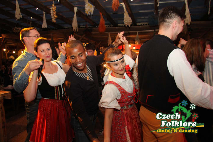 Czech Folklore dining & dancing