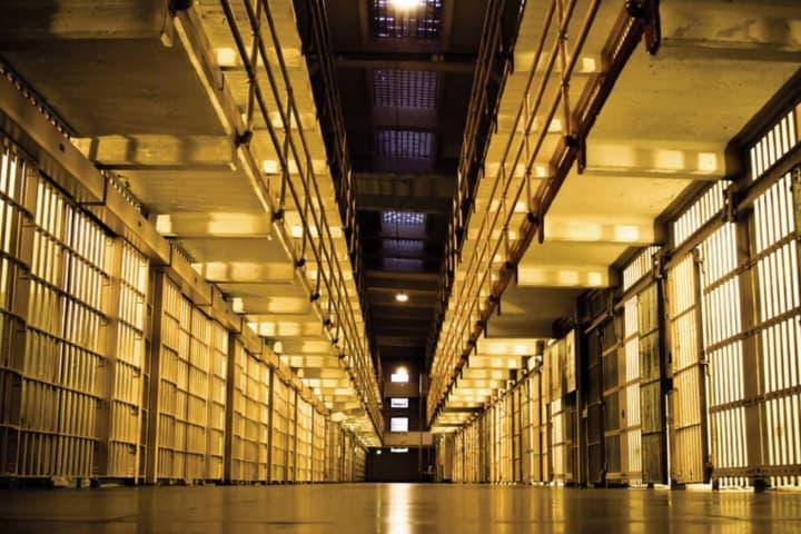 Alcatraz cell dzbam5
