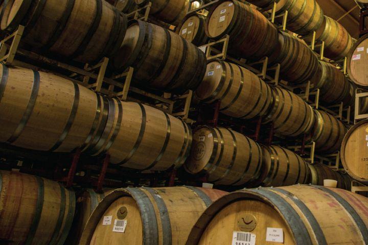 Wine barrels bxn5ks