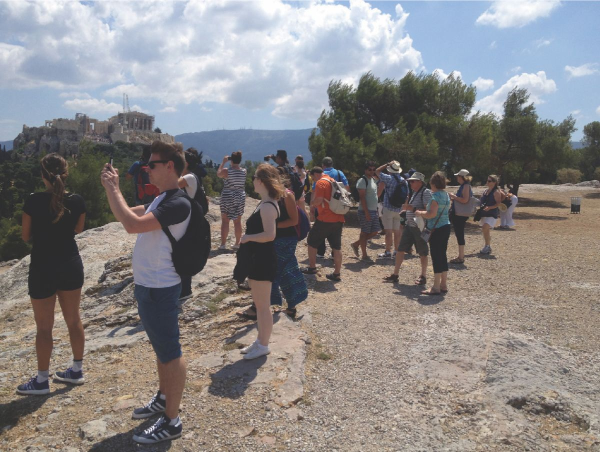 Walking tour overlooking the Acropolis