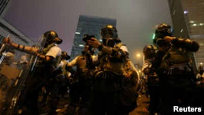 Hong%20Kong%20police%20use%20tear%20gas%20and...