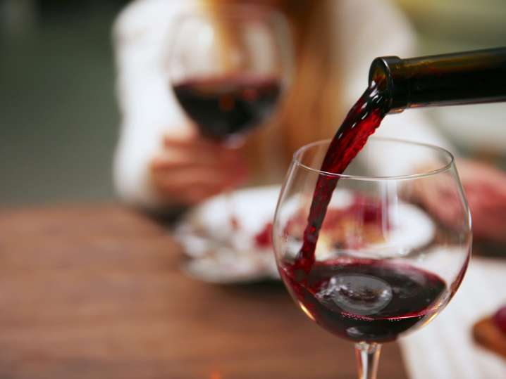 pouring red wine | Classpop