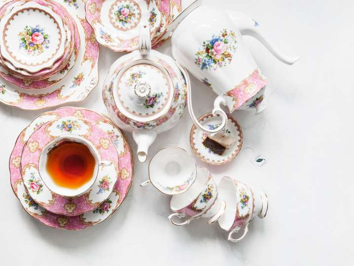 A Crown-Themed Afternoon Tea