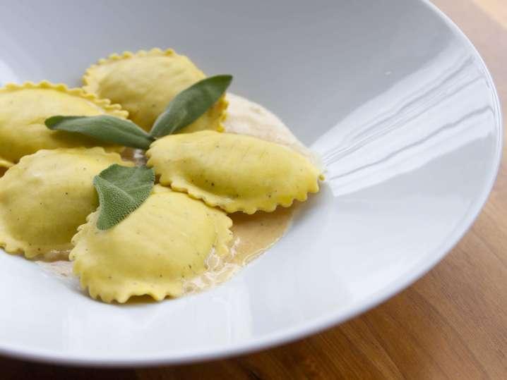 ravioli with brown butter sauce | Classpop