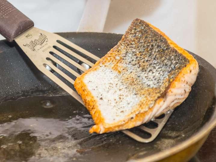 pan searing salmon | Classpop