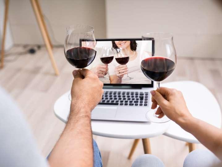friends taking an virtual wine tasting class | Classpop