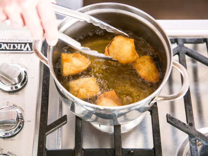 frying wontons   Classpop