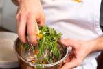 mixing swordfish salad | Classpop