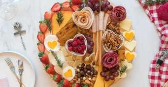 Snacks recipes: Date Night Charcuterie Board