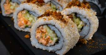 Lunch recipes: Salmon Skin Roll